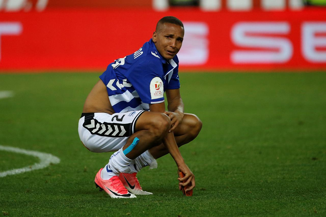 Football Soccer - FC Barcelona v Deportivo Alaves - Spanish King's Cup Final - Vicente Calderon Stadium, Madrid, Spain - 27/5/17 Deportivo Alaves' Deyverson looks dejected at the end of the matchReuters / Susana Vera