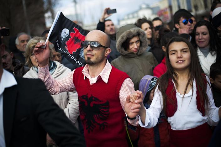 Kosovo Albanians dance during celebrations marking the seventh anniversary of Kosovo's declaration of independence from Serbia, in Pristina on February 17, 2015 (AFP Photo/Armend Nimani)