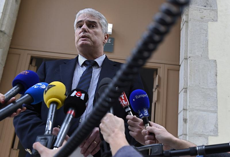 Valence's prosecutor Alex Perrin speaks to the press, on January 2, 2016, at the Valence courthouse, after a driver tried to run down soldiers guarding a French mosque (AFP Photo/Philippe Desmazes)