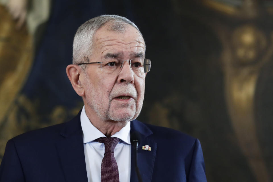 Austrian President Alexander Van der Bellen addresses holds a speech about the political situation in the country at his residence the Hofburg Palace in Vienna, Sunday, Oct. 10, 2021. The Austrian Chancellor Sebastian Kurz resigned on Saturday, October 9, to defuse a government crisis that was triggered by the announcement by the public prosecutor that he was the target of a corruption investigation. (AP Photo/Lisa Leutner)