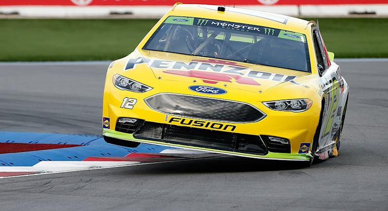 Ryan Blaney, Kyle Larson win stages at Charlotte road course on