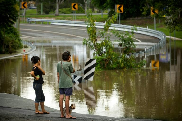 Floods in parts of eastern Australia after a cyclone have deemed hundreds of homes uninhabitable