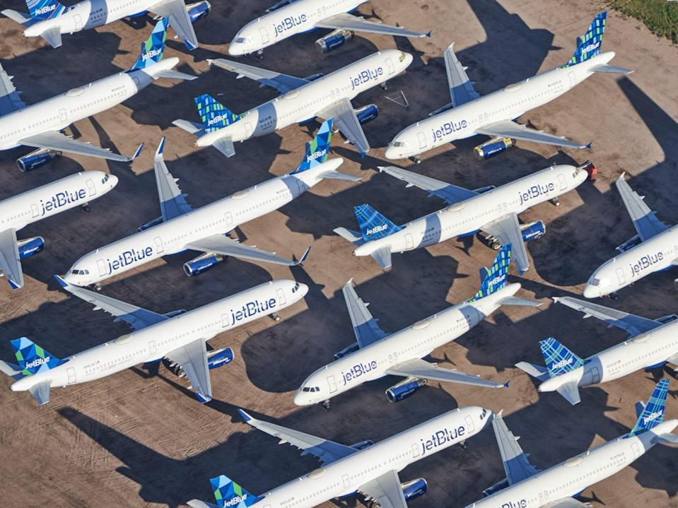 Grounded airliners COVID-19