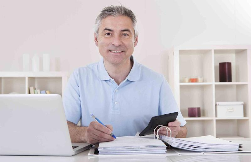 What's the Difference Between a Tax Credit & a Tax Deduction?