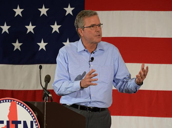 Former Florida governor Jeb Bush speaks at the First in the Nation Republican Leadership Summit on April 17, 2015, in Nashua, New Hampshire (AFP Photo/Darren Mccollester)