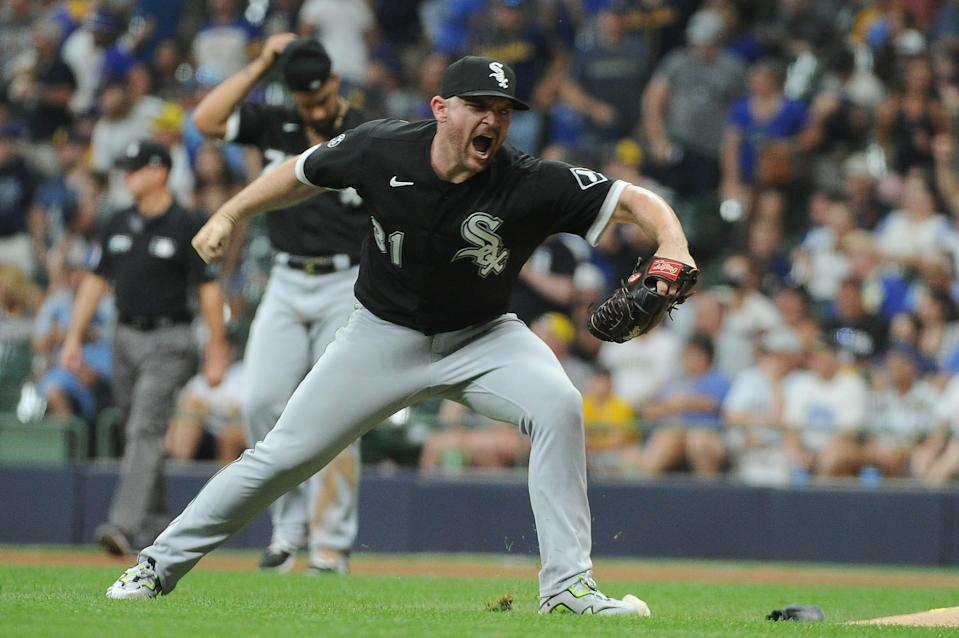 Liam Hendriks gets late-inning help with the White Sox acquiring Craig Kimbrel.