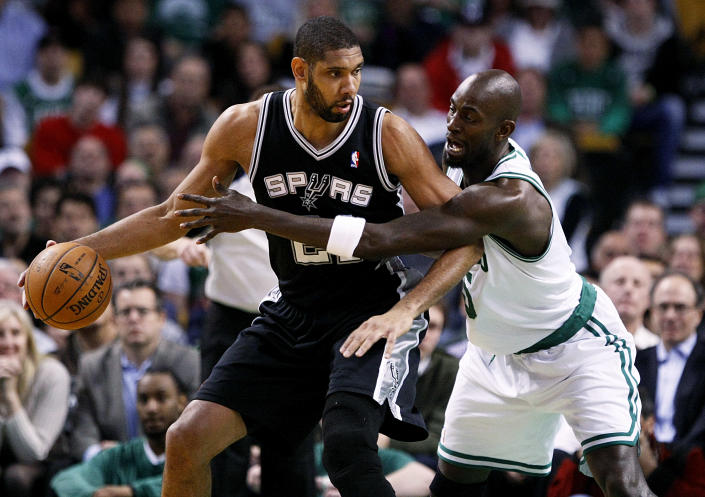 Tim Duncan and Kevin Garnett were rivals for 19 seasons. (Yoon S. Byun/The Boston Globe via Getty Images)
