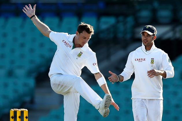 SYDNEY, AUSTRALIA - NOVEMBER 02:  Dale Steyn of South Africa celebrates with team mates after dismissing Glenn Maxwell of Australia A during day one of the International tour match between Australia A and South Africa at Sydney Cricket Ground on November 2, 2012 in Sydney, Australia.  (Photo by Chris Hyde/Getty Images)