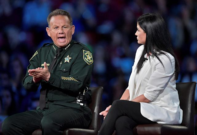 Broward Sheriff Scott Israel makes a point to NRA spokeswoman Dana Loesch during a CNN town hall in Sunrise, Fla., on Feb. 22, 2018. (Michael Laughlin/Reuters)