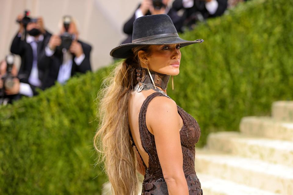 """<h1 class=""""title"""">The 2021 Met Gala Celebrating In America: A Lexicon Of Fashion - Arrivals</h1><cite class=""""credit"""">Getty Images</cite>"""