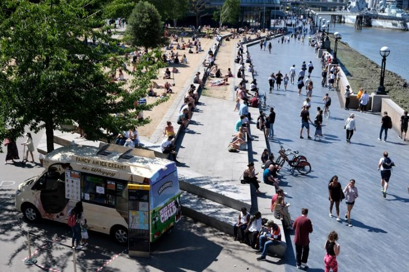UK experiences sunniest calendar month on record in May, Met Office says