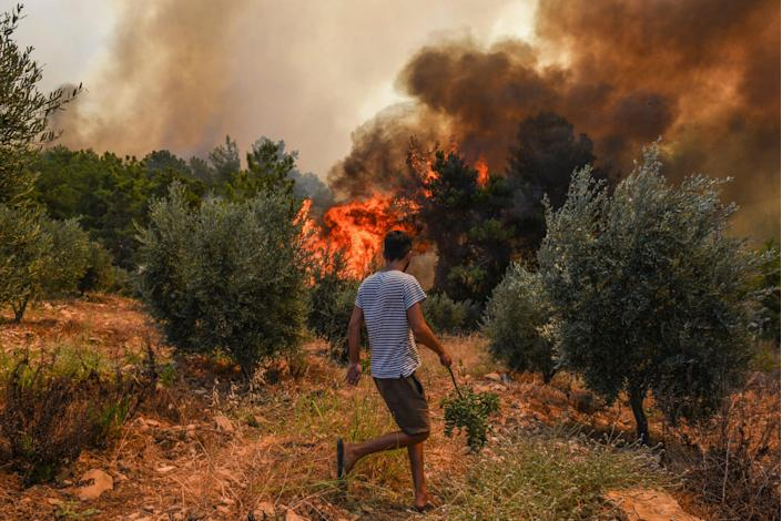 Turkey Wildfire (Copyright 2021 The Associated Press. All rights reserved)