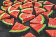<p>Only eat low-energy foods with a high water and fibre volume, such as fruits and vegetables. Why: The water and fibre promotes the feeling of being full despite the food being low-calorie. Drawbacks: A bit more complicated, it takes time to calculate energy densities of food. </p>