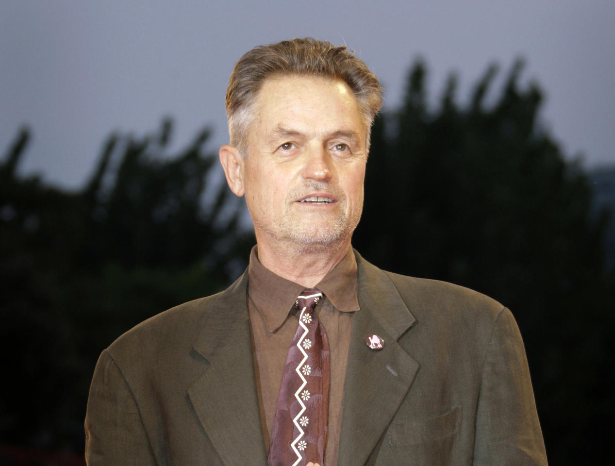 "FILE - In this Sept. 3, 2008 file photo, filmmaker Jonathan Demme poses during the photo call of the movie ""Burn After Reading"" at the 65th edition of the Venice Film Festival in Venice. Demme died, Wednesday, April 26, 2017, from complications from esophageal cancer in New York. He was 73. (AP Photo/Joel Ryan, File)"