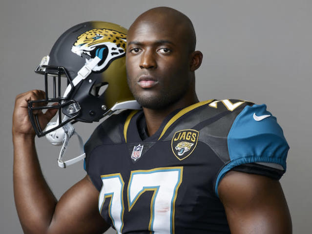 Leonaroud Fournette is about to give opposing tacklers the business in his rookie season. (AP)