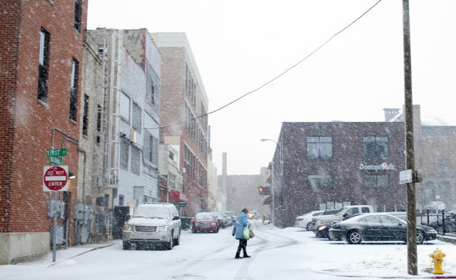Winter Storm Rocky hits the Flint area Tuesday around 5 p.m. on Feb 26, 2013. The Flint area is expected to receive around 3-6 inches of snow. (AP Photo/The Flint Journal,Sammy Jo Hester ) LOCAL TV OUT; LOCAL INTERNET OUT Sammy Jo Hester   MLive.com