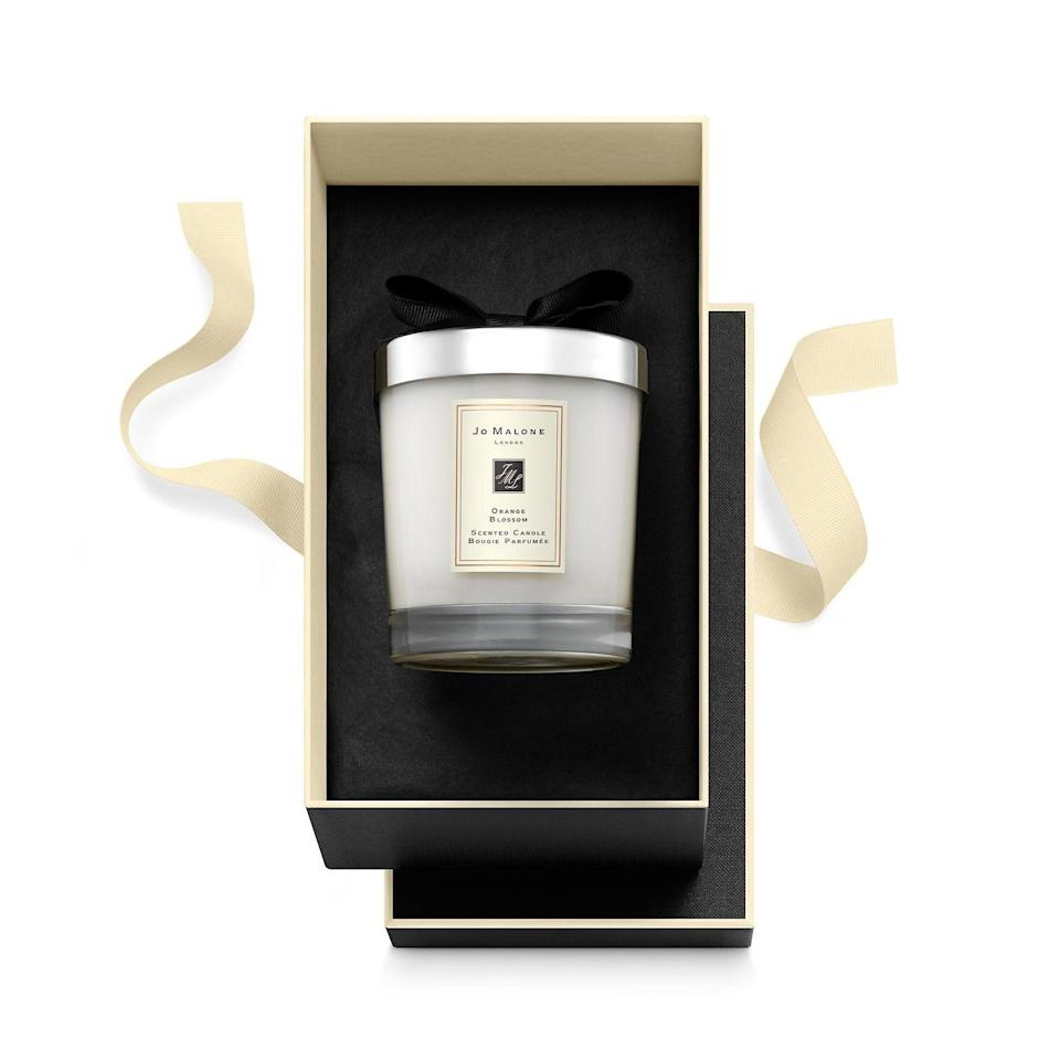 "<p><strong>Jo Malone London</strong></p><p>sephora.com</p><p><strong>$69.00</strong></p><p><a href=""https://go.redirectingat.com?id=74968X1596630&url=https%3A%2F%2Fwww.sephora.com%2Fproduct%2Forange-blossom-candle-P417225&sref=https%3A%2F%2Fwww.townandcountrymag.com%2Fsociety%2Ftradition%2Fg34414467%2Fkate-middleton-gift-guide%2F"" rel=""nofollow noopener"" target=""_blank"" data-ylk=""slk:Shop Now"" class=""link rapid-noclick-resp"">Shop Now</a></p><p>Kate famously had Jo Malone's Orange Blossom candles lit during her royal wedding to Prince William in 2011, filling Westminster Abbey with the fresh scent.</p>"