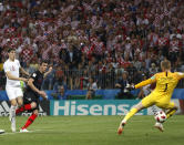 <p>The England defence switches off, allowing Mario Mandzukic to slot past Jordan Pickford to put Croatia 2-1 up in extra time </p>