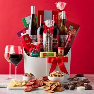 Hickory Farms Happiest Holiday Wine Gift Basket