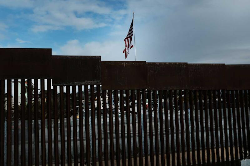 Trump's Wall Emergency Heads for Clash in Congress Within Hours