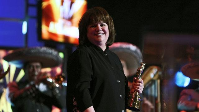Linda Ronstadt Reveals Struggle with Parkinson's