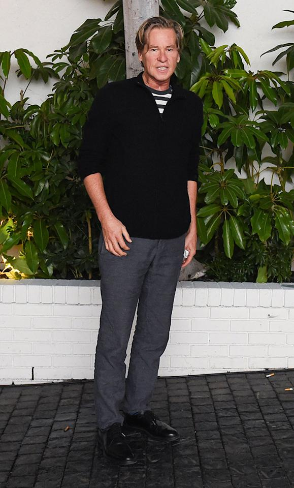 """<p>Almost two years after his last red carpet appearance, Val Kilmer showed up to <i>W</i> magazine's pre-Golden Globes party at Chateau Marmont in West Hollywood. Interestingly, the <i>Heat</i> actor was <a rel=""""nofollow"""" href=""""https://www.yahoo.com/celebrity/val-kilmer-ditches-neck-scarf-for-first-red-carpet-in-over-a-year-203758164.html"""">not wearing a scarf</a> around his neck, which he started doing in 2014 while suffering from an undisclosed illness. (Photo: Billy Farrell/BFA/REX/Shutterstock) </p>"""