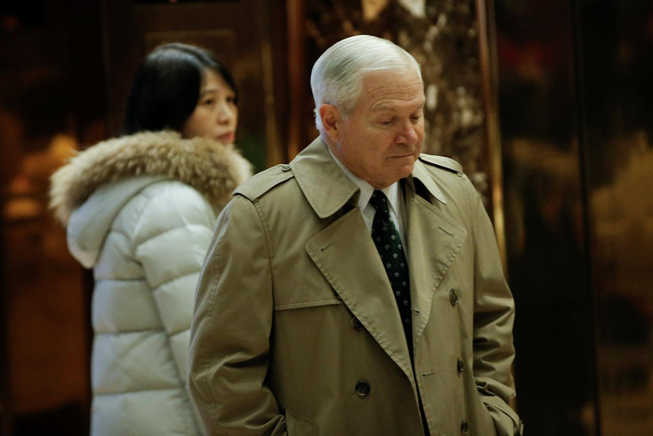 Former Defense Secretary Robert Gates arrives for a meeting with U.S. President-elect Donald Trump at Trump Tower in New York, U.S., December 2, 2016.   REUTERS/Mike Segar