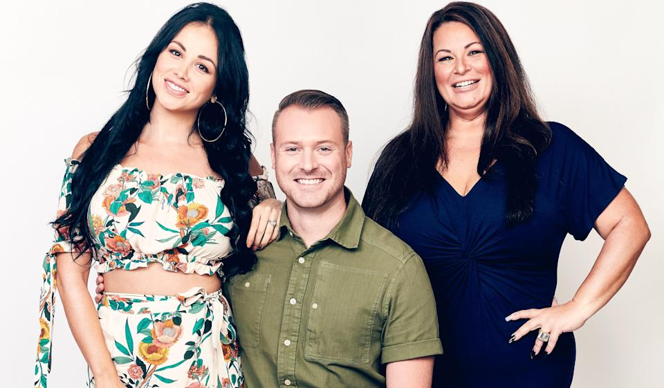 "<p>Anyone who's watched this hit TLC series becomes obsessed with it. (<a href=""https://www.glamour.com/story/casey-wilson-wants-you-to-start-watching-90-day-fiance?mbid=synd_yahoo_rss"" rel=""nofollow noopener"" target=""_blank"" data-ylk=""slk:Just ask Casey Wilson"" class=""link rapid-noclick-resp"">Just ask Casey Wilson</a>.) And all you need to see is the premise to know why: Two people in a relationship but living in different countries use a fiancé visa to finally be together, and they must decide within 90 days whether they're tying the knot. Talk about some high stakes. </p> <p><em>Stream it on</em> <a href=""https://www.hulu.com/series/90-day-fiance-040d7329-47f5-48cc-9ed8-f9528c70926e"" rel=""nofollow noopener"" target=""_blank"" data-ylk=""slk:Hulu."" class=""link rapid-noclick-resp""><em>Hulu.</em></a></p>"