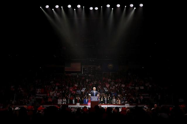 <p>Republican presidential nominee Donald Trump holds a campaign rally at the SNHU Arena November 7, 2016 in Manchester, New Hampshire. (Chip Somodevilla/Getty Images) </p>
