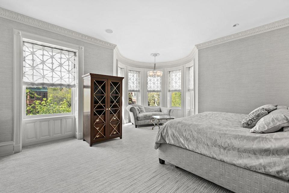 <p>High ceilings, bay windows, and original moldings can be found in almost every room.</p>