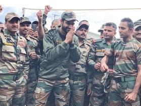 Vicky Kaushal spends time with Indian  Army at Indo-China border