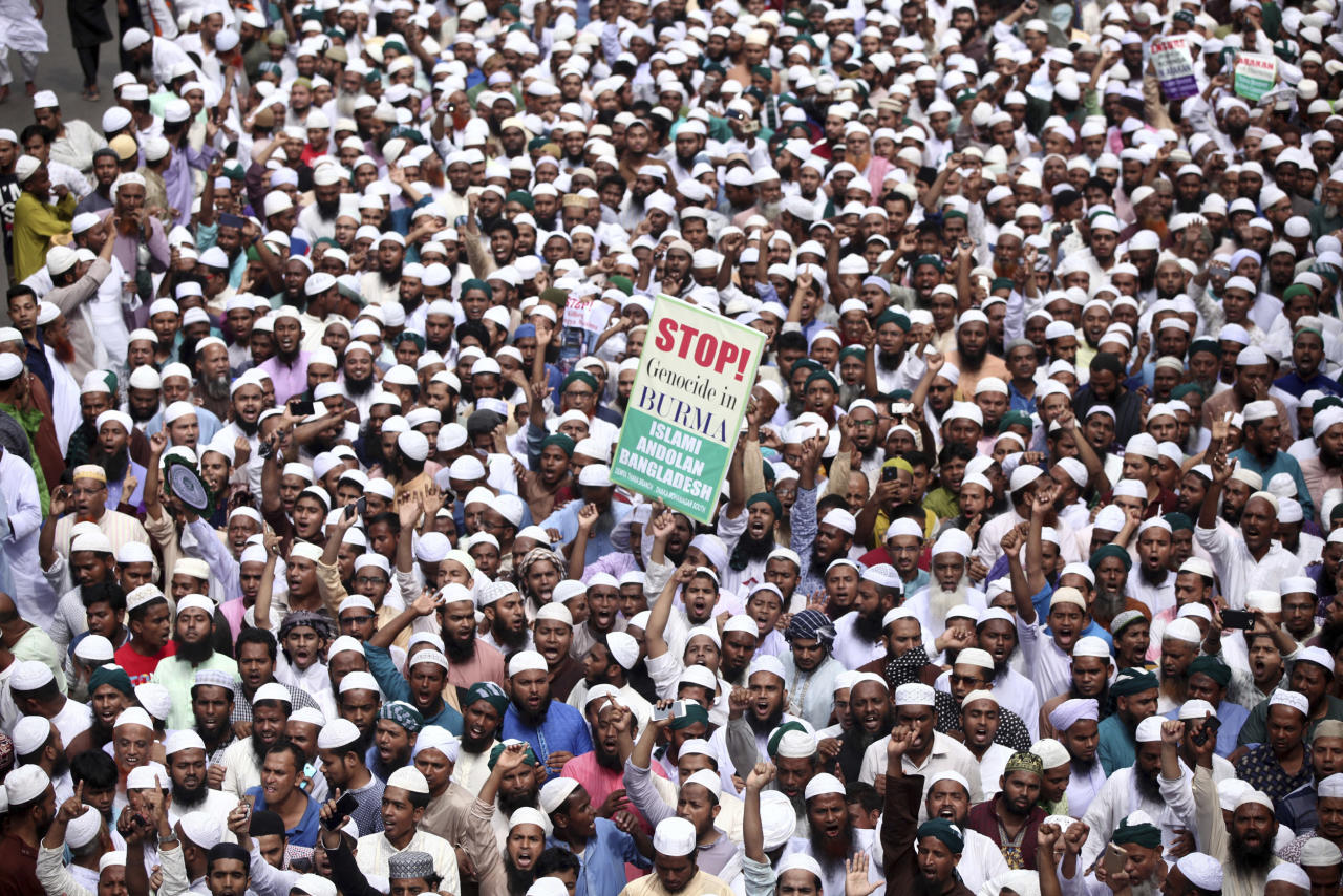<p>Bangladeshi activists along with members of several Islamic groups participate in a protest against the persecution of Rohingya Muslims in Myanmar, after Friday prayers in Dhaka, Bangladesh, Sept. 8, 2017. (Photo: Rajib Dhar/AP) </p>