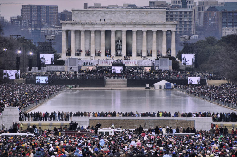 View from the World War II Memorial to the the Lincoln Memorial during the 2009 Barack Obama inauguration concert. The reflecting pool is iced over. More than 400,000 were estimated to be in attendance.