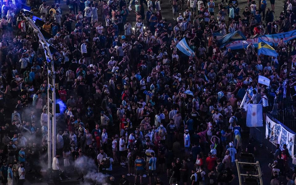 Fans gather at Obelisk of Buenos Aires to mourn