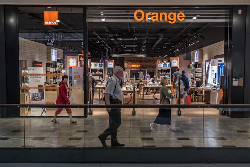 Orange Joins Phone Industry's Big Infrastructure Sell-Off