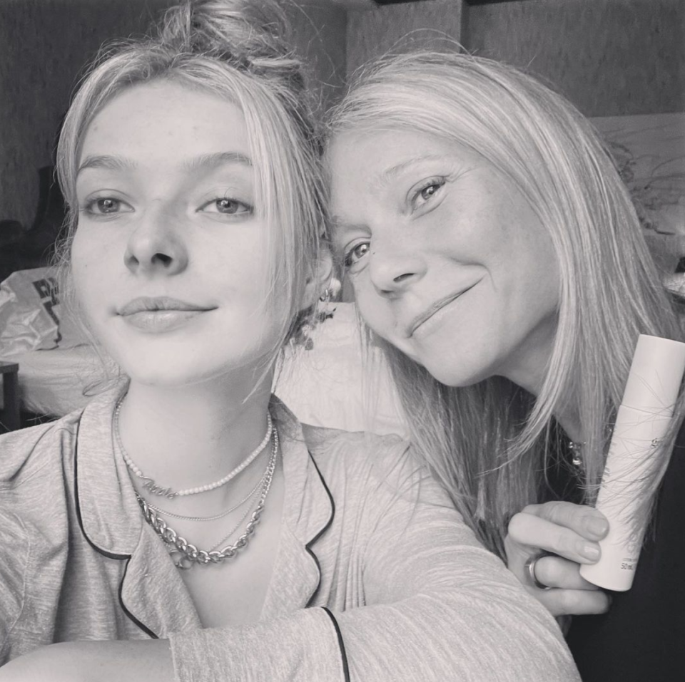 Apple Martin poses with her mom, Gwyneth Paltrow. (Photo: Instagram)
