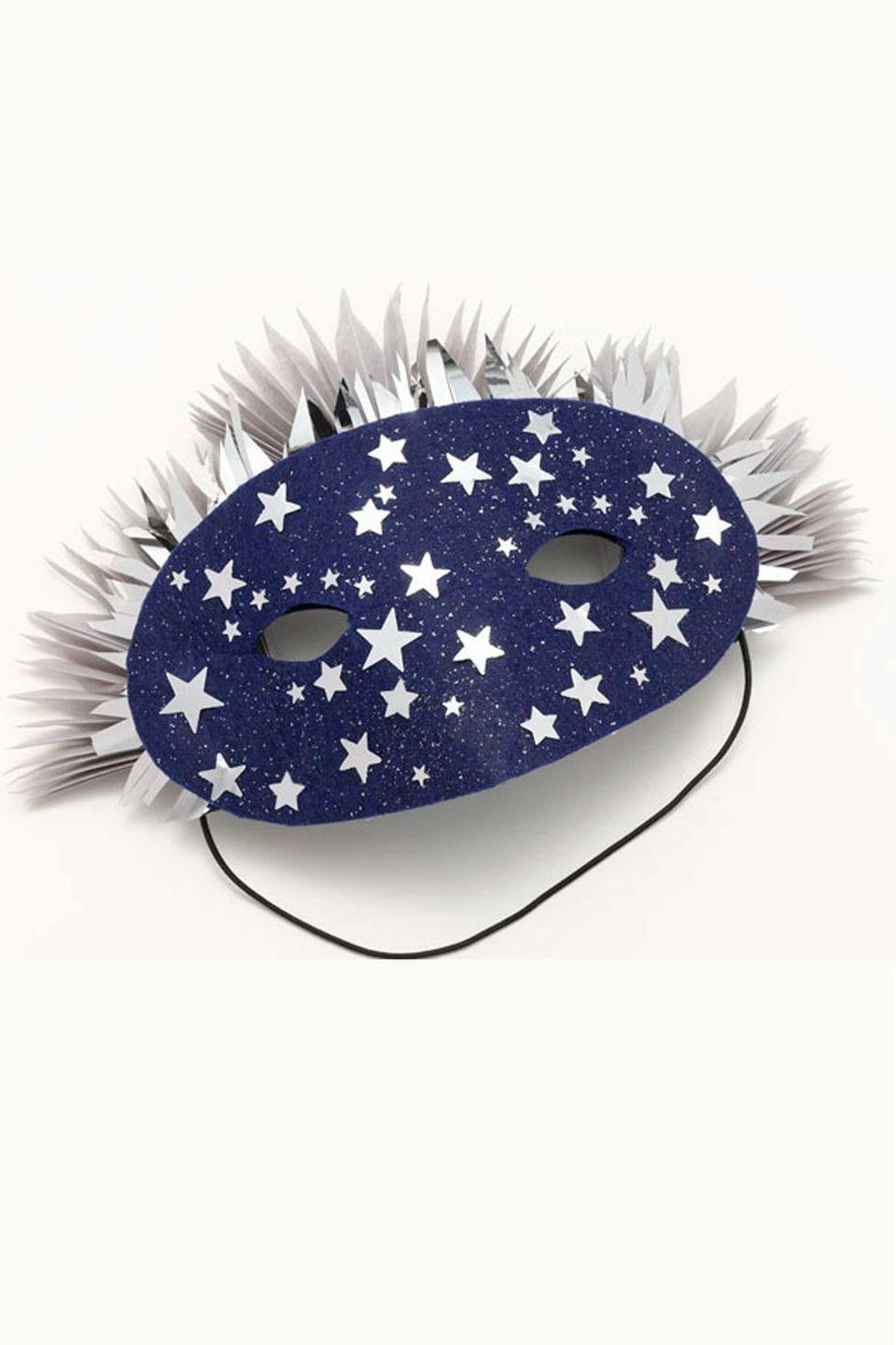 <p>Give a nod to one of Van Gogh's greatest works with the help of a plain mask, royal blue felt, a silver star garland, and silver paper stars.</p>