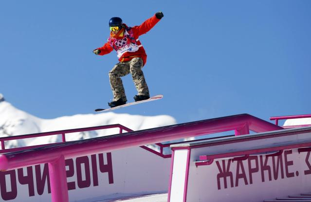 Belgium's Seppe Smits performs a jump during the men's snowboard slopestyle qualifying session at the 2014 Sochi Olympic Games in Rosa Khutor February 6, 2014. REUTERS/Lucas Jackson (RUSSIA - Tags: OLYMPICS SPORT SNOWBOARDING)