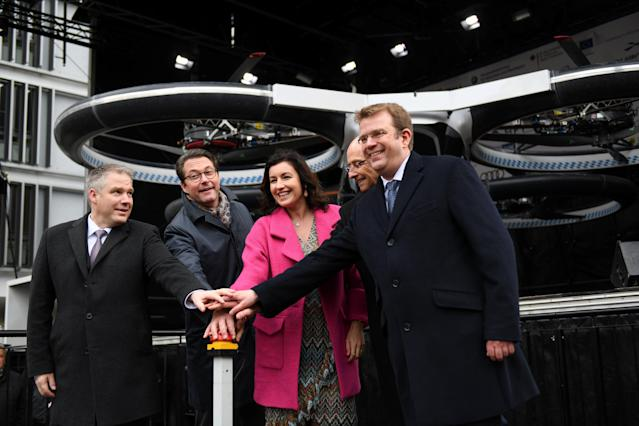 German Transport Minister Andreas Scheuer, Digitization Minister Dorothee Baer, Ingolstadt mayor Christian Loesel, Airbus Helicopters CEO Wolfgang Schoder, and MP Reinhard Brandl present the CityAirbus in Ingolstadt, March 11, 2019. Photo: Reuters/Andreas Gebert