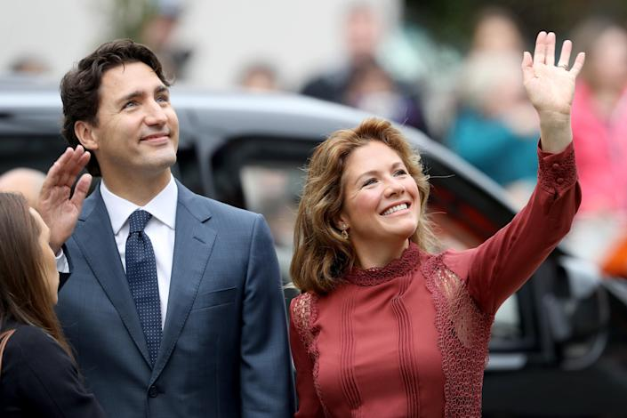 """<h1 class=""""title"""">2016 Royal Tour To Canada Of The Duke And Duchess Of Cambridge - Vancouver, British Columbia</h1> <cite class=""""credit"""">Chris Jackson</cite>"""