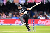 Colin de Grandhomme tries to avoid another short ball (Photo by Clive Mason/Getty Images)