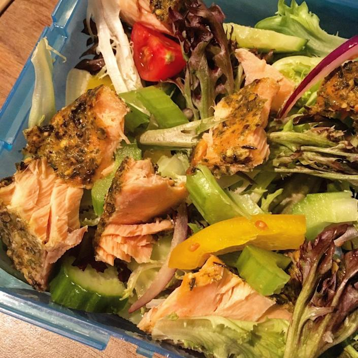 """<p>A lunch with enough fish to boost your brainpower all afternoon. Flake pre-cooked salmon into a large green salad. For extra flavour, use a fish that comes with a dressing, like the Saucy Fish Co's Lemon & Dill Roasted Salmon. <i>[Photo: <a href=""""http://www.gingeybites.com"""" rel=""""nofollow noopener"""" target=""""_blank"""" data-ylk=""""slk:Gingey Bites]"""" class=""""link rapid-noclick-resp"""">Gingey Bites]</a></i></p>"""