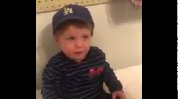 This 2-year-old is very concerned about Justin Turner's broken wrist. (Twitter/@agr_dodgers22)