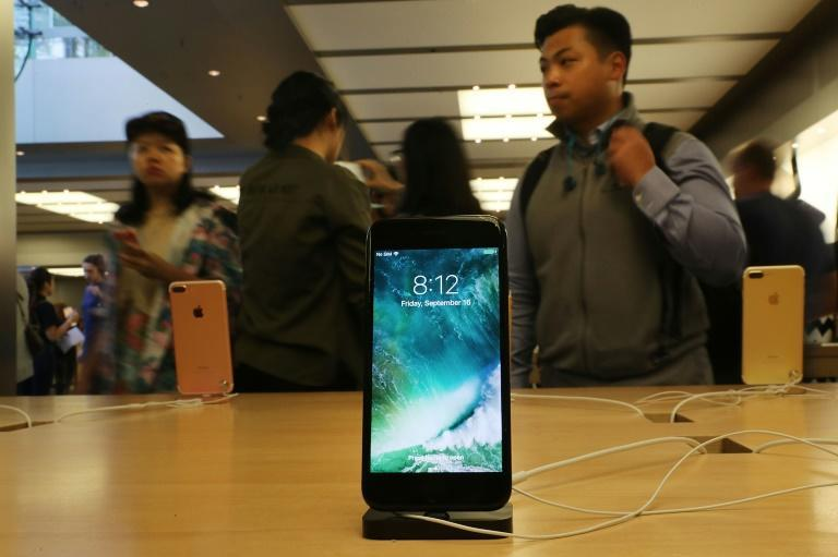Apple agreed to a new settlement on allegations that it slowed the performance of older devices such as the iPhone 7 to manage insufficient battery capacity