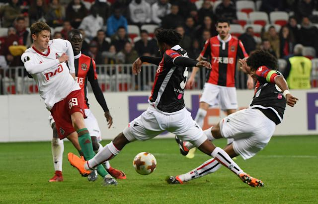 Soccer Football - Europa League Round of 32 First Leg - OGC Nice vs Lokomotiv Moscow - Allianz Riviera, Nice, France - February 15, 2018 Lokomotiv Moscow's Aleksei Miranchuk in action with Nice's Dante and Adrien Tameze (C) REUTERS/Jean-Pierre Amet TPX IMAGES OF THE DAY
