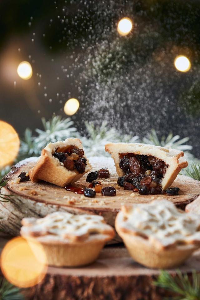"""<p><strong>Overall score: 87/100</strong></p><p>The surprising addition of yuzu juice (from a small Japanese citrus fruit) to the mincemeat filling of our runner-up best mince pie adds a sharp tang to the already citrussy aroma, which complements the buttery smell of the pastry and the spiced filling. Vine fruit adds a sweetness to the filling, which has a touch of Christmas spice and is encased in deliciously savoury pastry for a balanced bite. Testers enjoyed the soft crumble of the pastry and the juiciness of the sultanas and raisins.<br></p><p><a class=""""body-btn-link"""" href=""""https://go.redirectingat.com?id=127X1599956&url=https%3A%2F%2Fwww.iceland.co.uk%2Fp%2Ficeland-luxury-6-all-butter-mince-pies-%2F56837.html&sref=https%3A%2F%2Fwww.goodhousekeeping.com%2Fuk%2Ffood%2Ffood-reviews%2Fg23832437%2Fbest-mince-pies-christmas%2F"""" target=""""_blank"""">BUY NOW</a> <strong>Iceland, £1.89 for 6</strong></p>"""