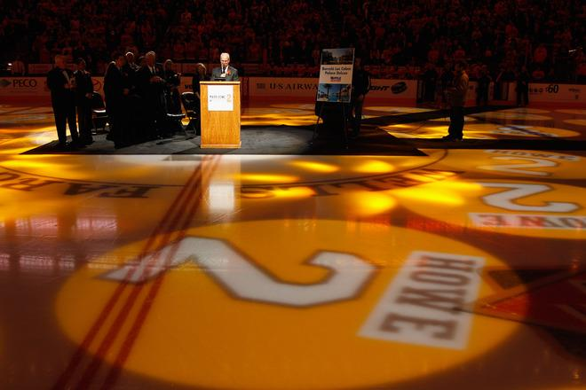 PHILADELPHIA, PA - MARCH 06:  Former Philadelphia Flyers player Mark Howe addresses the crowd as his  during a ceremony retiring his number before the start of the Flyers and Detroit Red Wings game at Wells Fargo Center on March 6, 2012 in Philadelphia, Pennsylvania.  (Photo by Rob Carr/Getty Images)