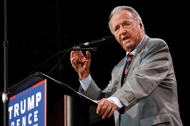 Bobby Bowden delivers remarks at a rally with Republican U.S. presidential nominee Donald Trump. (REUTERS)