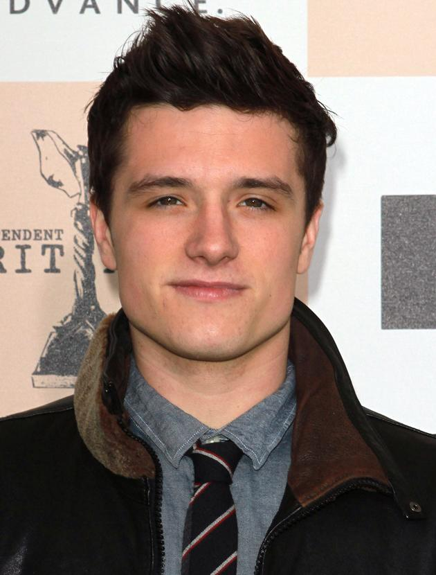 Josh Hutcherson photos: This half smile has us smitten already, how can one man be so hot?