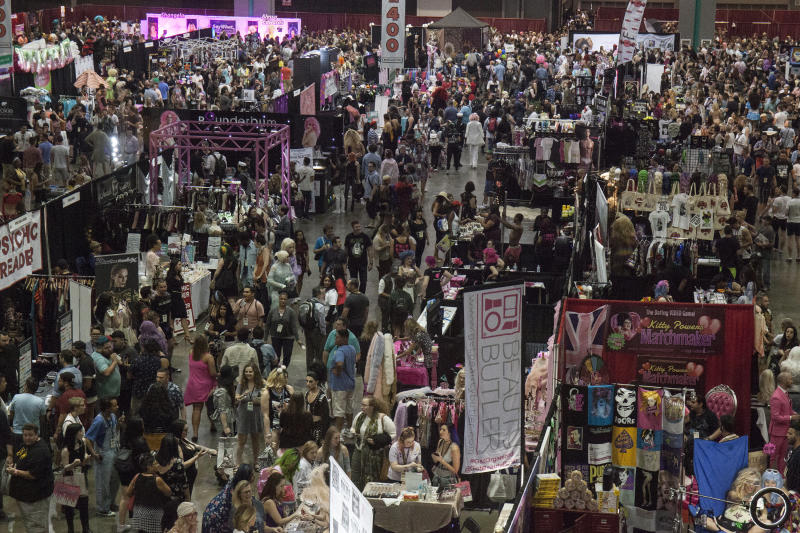 """Attendees packed the Los Angeles convention center at the 3rd annual """"RuPaul's DragCon"""" in April 2017. (Santiago Felipe via Getty Images)"""